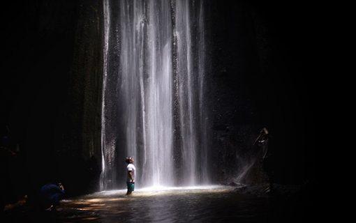 バンリ県の隠れパワースポットその1<Tukad Cepungの滝>【バリ島・観光情報】