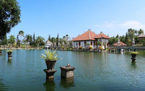 カラムガサム王朝の水の王宮<タマン・ウジュン>【バリ島・観光情報】