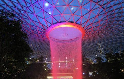 【シンガポール 観光情報】Jewelの滝を夜に見に行ってきました!