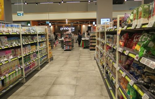 【シンガポール 買い物情報】巨大スーパーでお土産探しもできます!