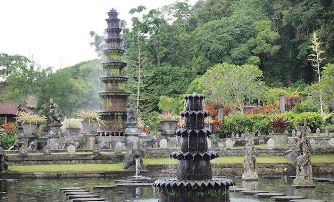 見てるだけでも癒される東部の観光地<ティルタ・ガンガ>【バリ島・観光情報】